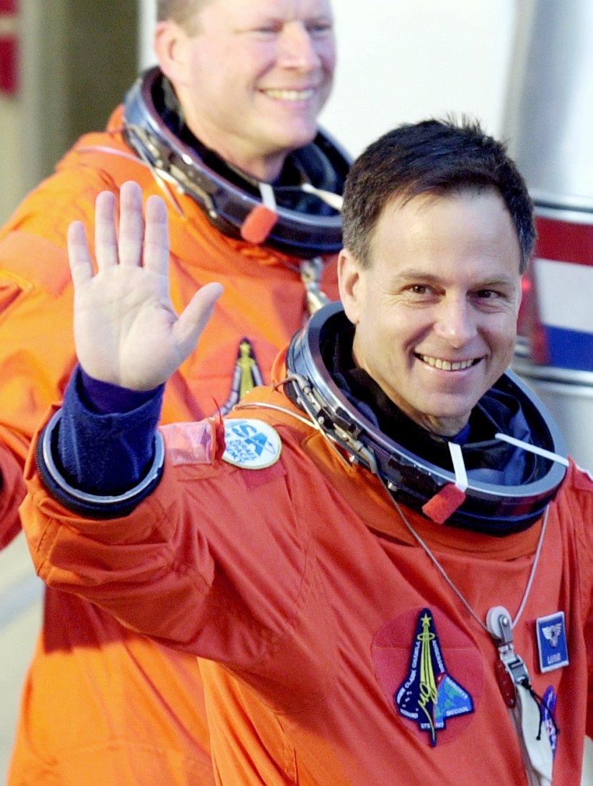 První izraelský kosmonaut Ilan Ramon, který s sebo