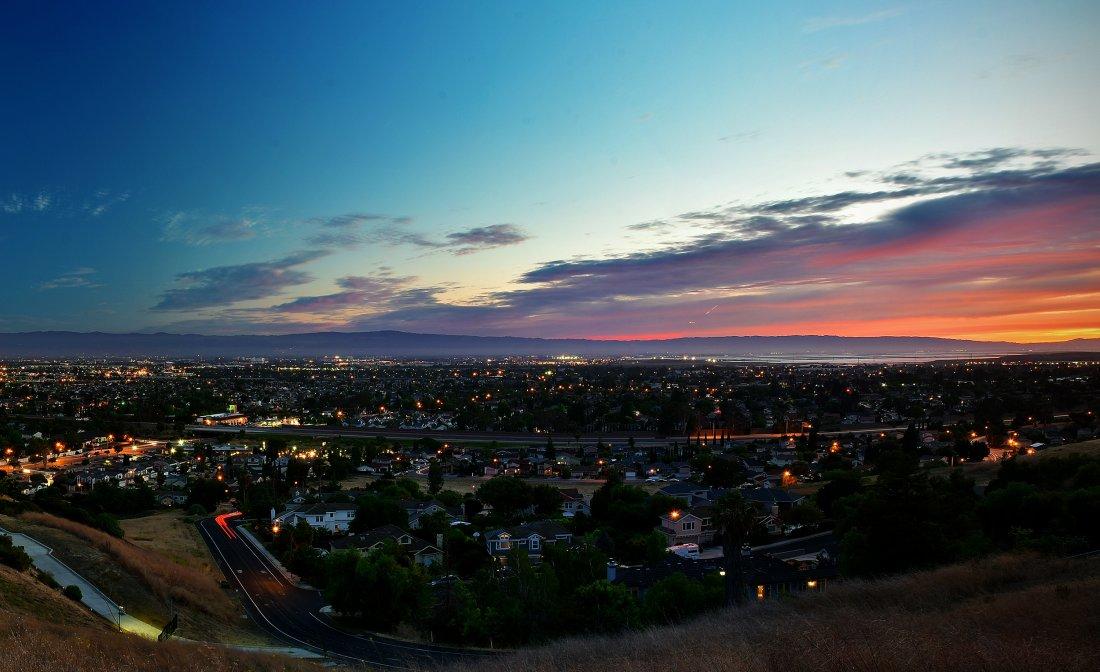 Silicon Valley při západu slunce