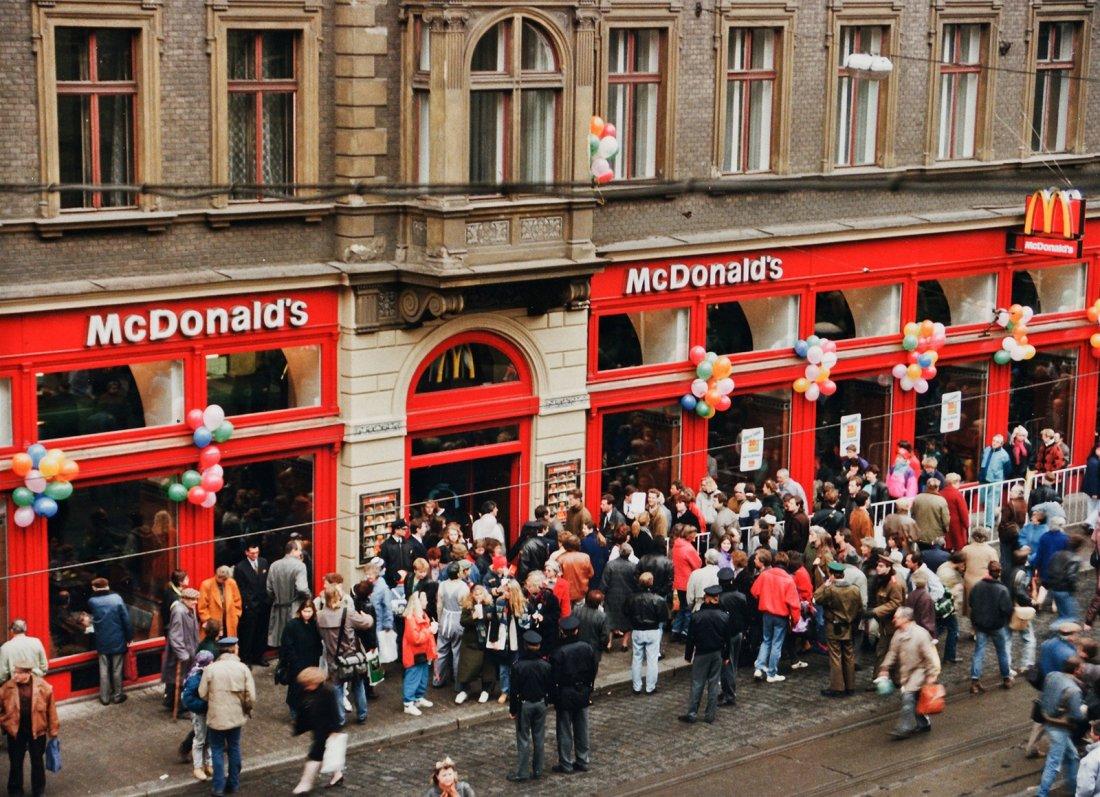 04151955_McDonalds_Praha_Vodickova_foto_McDonalds