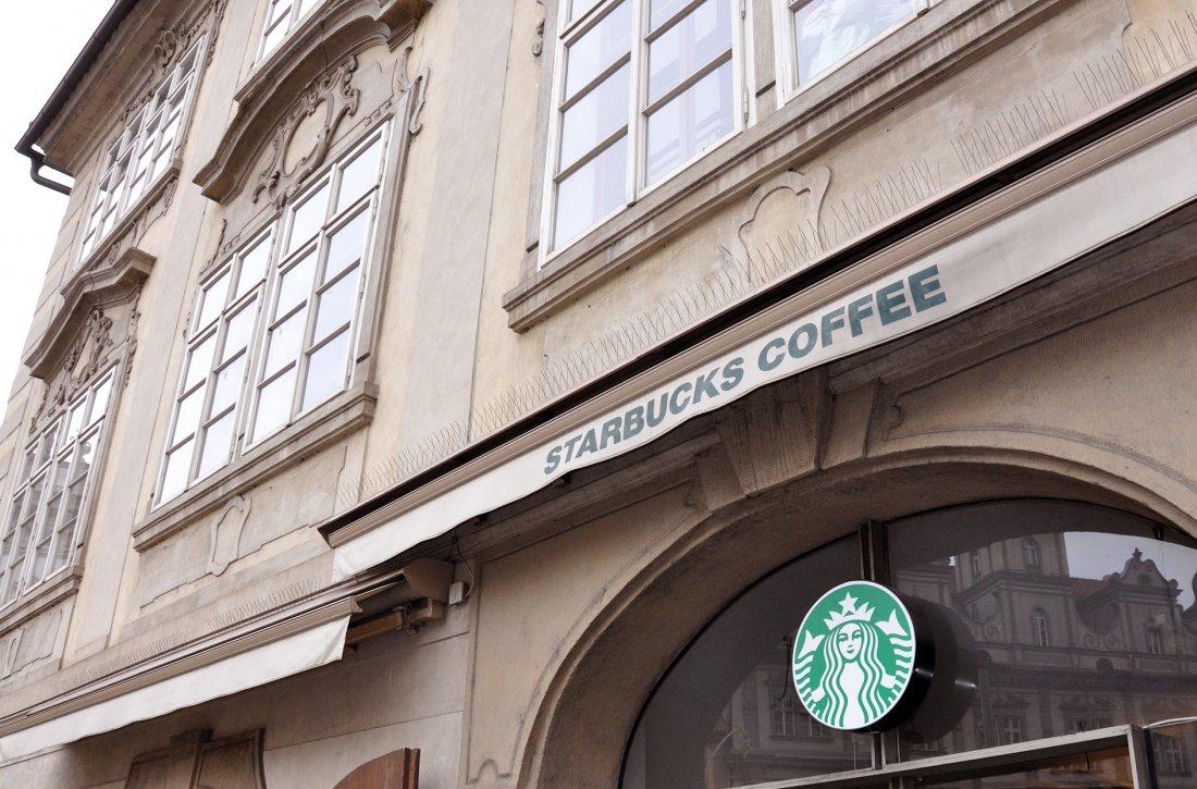Starbucks kavárna Malostranské náměstí