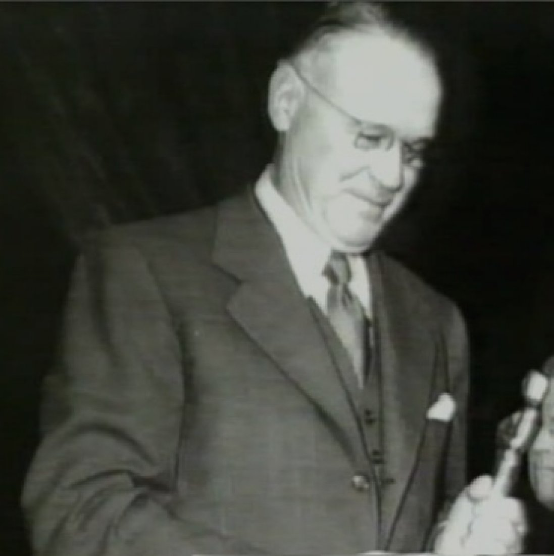 1941_Fred_Srsen_Oscars_Ceremony