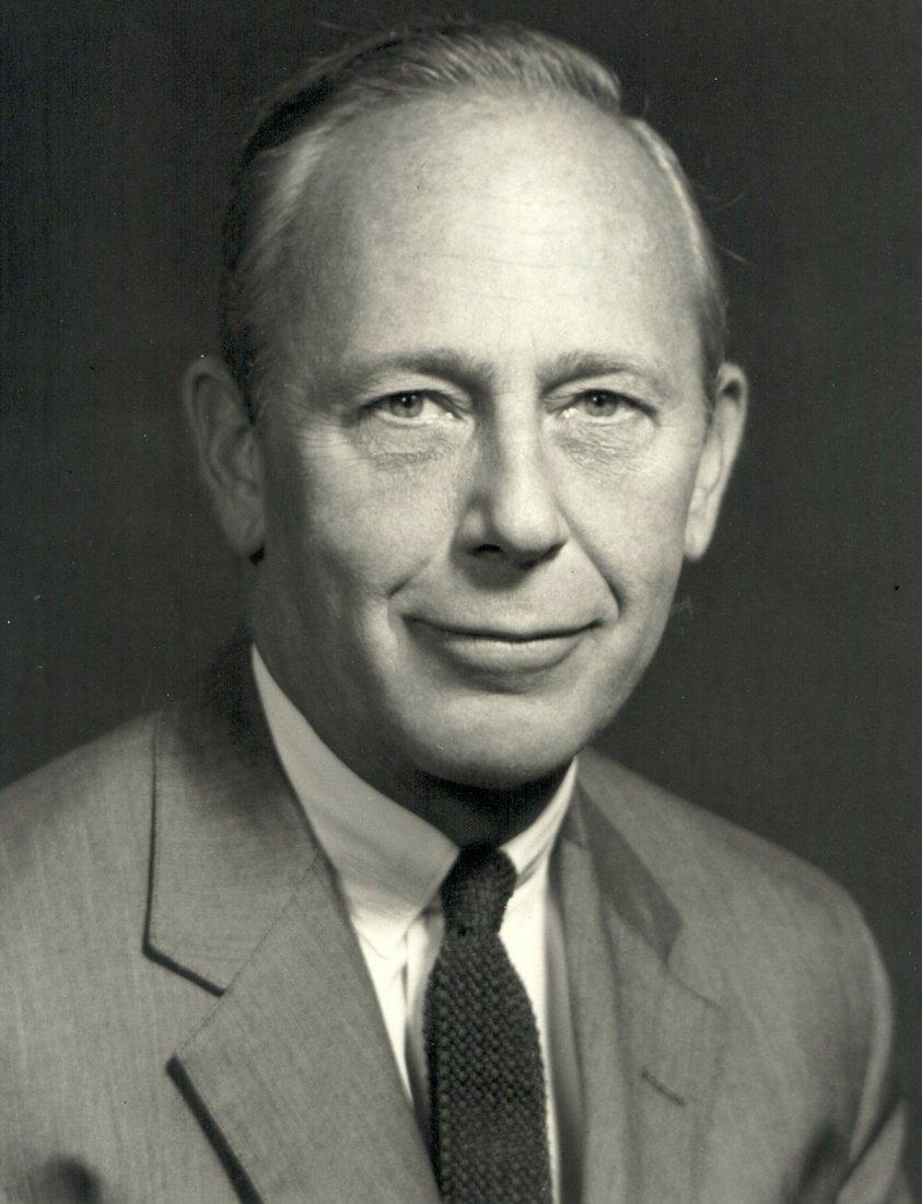 Oficiální portrét velvyslance Alberta W. Sherera.