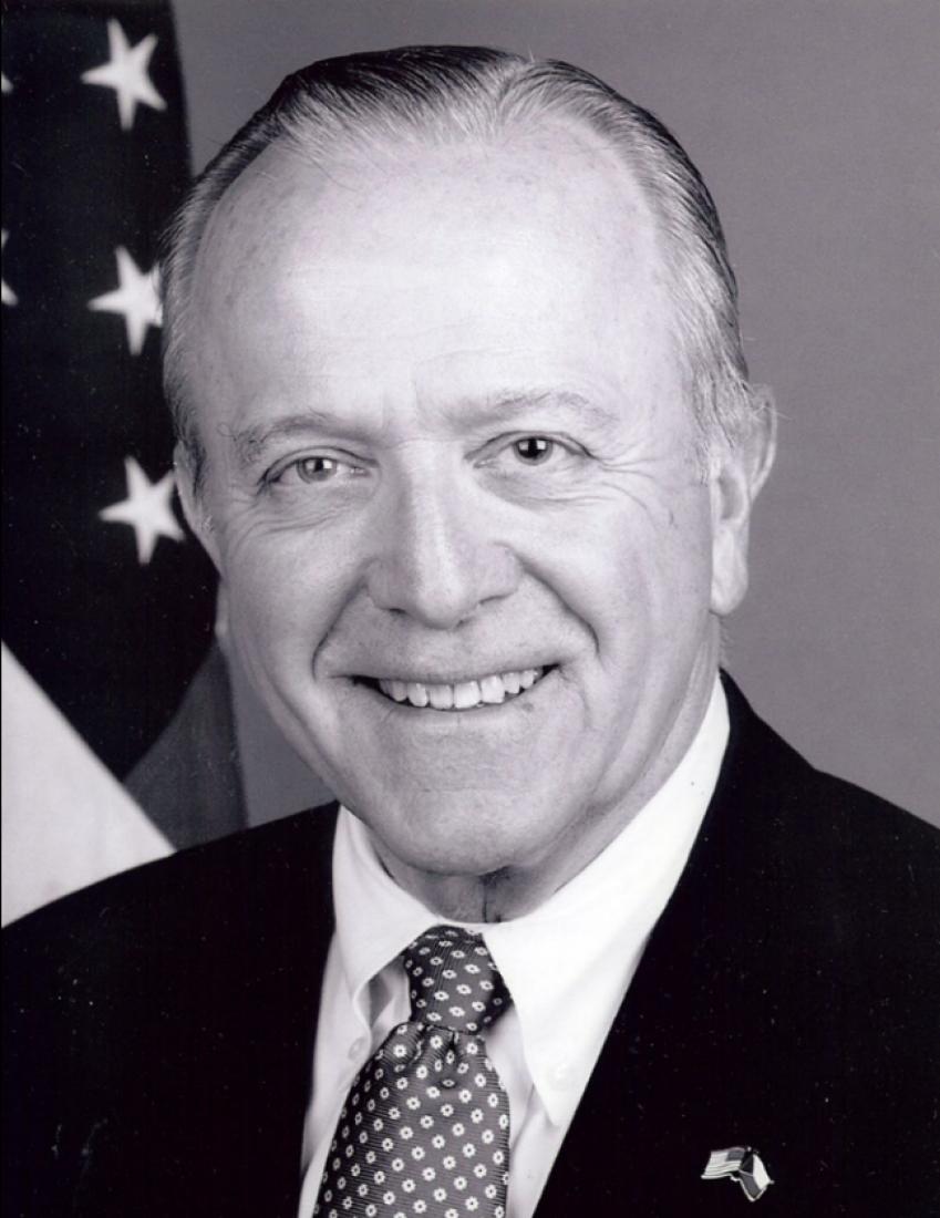Velvyslanec William J. Cabaniss